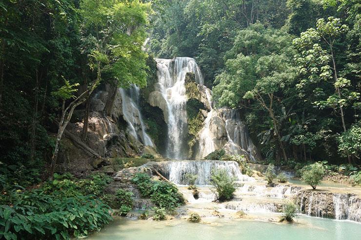 プレミアムおまかせオートで撮影した滝