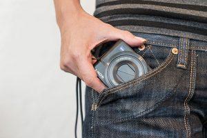旅に最適!ポケットからサッと出せる高画質カメラ | SONY RX100